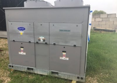 CARRIER – 45 TON NEW SURPLUS AIR COOLED CHILLER